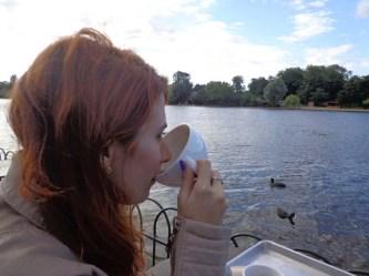 Um chá a beira do lago (mentira, era café)