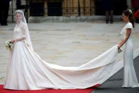 Kate Middleton chegando ao seu casamento