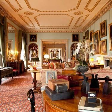 Sala de estar em Althorp Hall. (Reprodução Althorp)